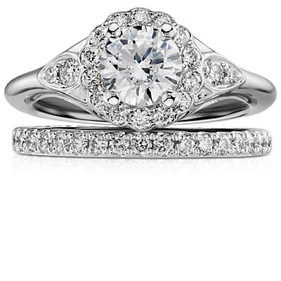 Anillo con pavé de diamantes Riviera en platino (1/4 qt. total)