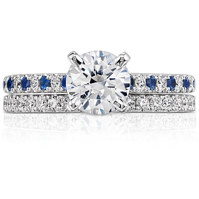 Anillo de eternidad con pavé de diamantes Riviera en oro blanco de 14 k (1/2 qt. total)