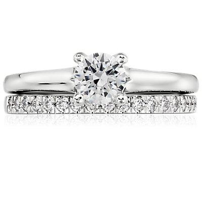 14k 白金小巧密钉钻石戒指<br>(1/3 克拉总重量)