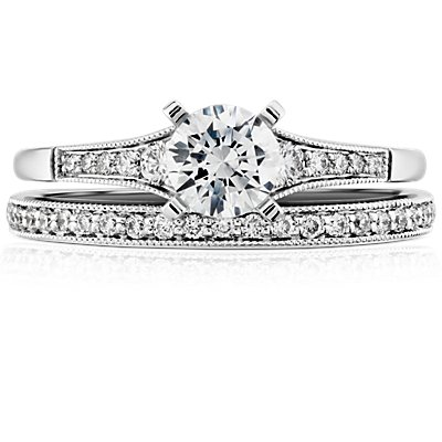 Anillo de diamantes en pavé clásico Riviera en oro blanco de 14 k (1/8 qt. total)
