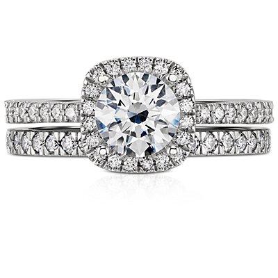 铂金小巧密钉钻石戒指<br>(1/3 克拉总重量)