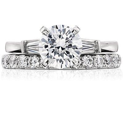 Anillo de eternidad con pavé de diamantes Riviera en platino (1 qt. total)