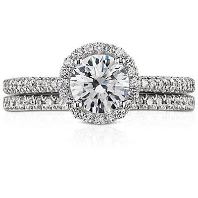 Pavé Diamond Wedding Band in Platinum