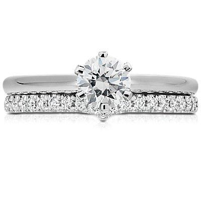 14k 白金经典 V 形钻石戒指<br>(1/5 克拉总重量)