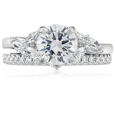 鉑金經典 V 形曲線鑽石戒指(1/5 克拉總重量)
