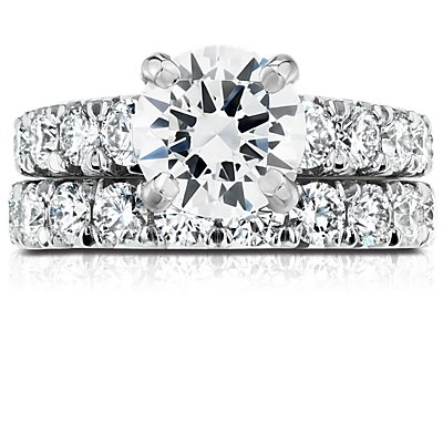 Anillo de eternidad con pavé de diamantes francés en platino (2 qt. total)