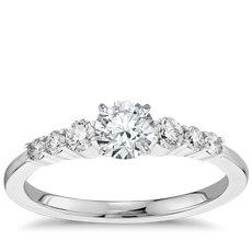1/2 克拉预镶嵌小巧钻石订婚戒指 (14k 白金(1/4 克拉总重量))