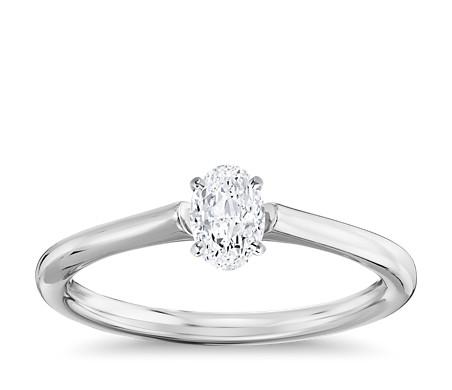 1/2 克拉 14k 白金橢圓形切工小巧單石訂婚戒指,現貨供應