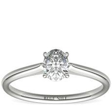 1/2 克拉铂金可供发货椭圆形切割单石订婚戒指