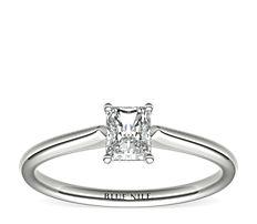 14k 白金小巧單石訂婚戒指