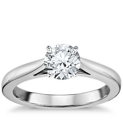 18k 白金尖顶大教堂单石订婚戒指