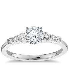 3/4 克拉 14k 白金(1/4 克拉总重量)预镶嵌小巧钻石订婚戒指