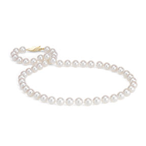 Hand knotted pearl Akoya strand with an safety clasp in 18k yellow gold.