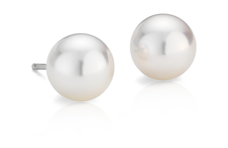 Aretes clásicos de perla cultivada de Akoya en oro blanco de 18 k (8,0-8,5mm)