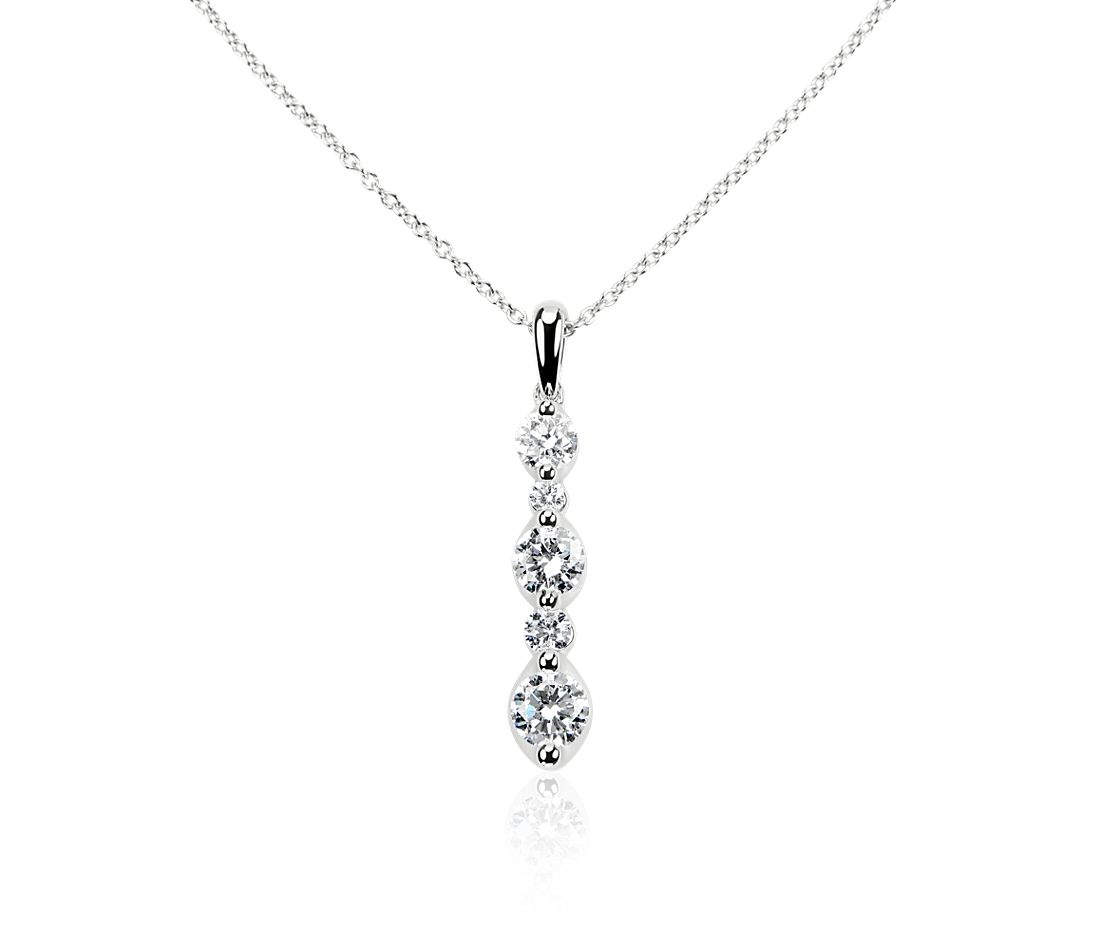 Alternating Size Diamond Drop Pendant in 14k White Gold (1.03 ct. tw.)