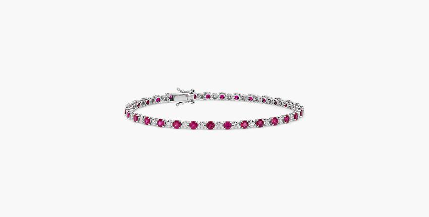 A ruby bracelet with gemstones of alternating sizes