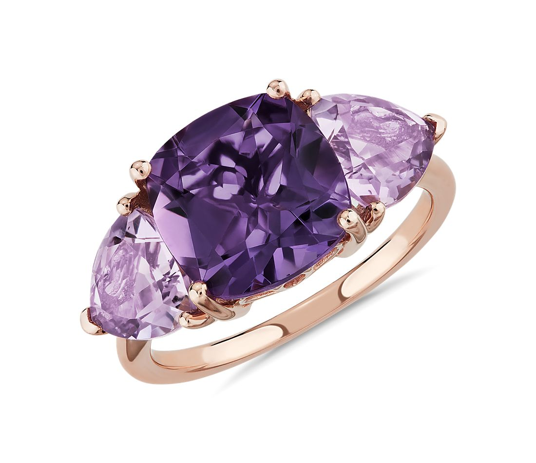 Cushion Amethyst and Rose de France Trillion Ring in oro rosado de 14 k