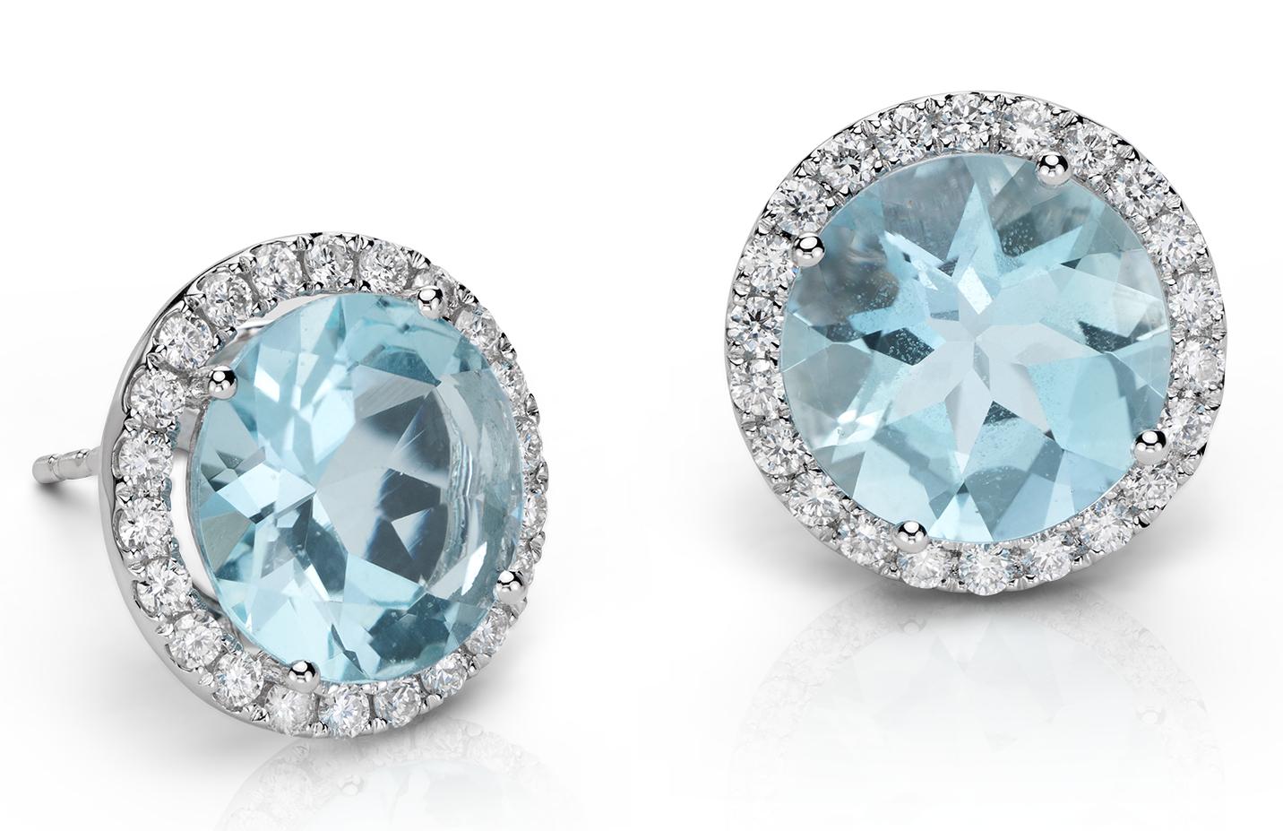 Aretes colgantes con halo de diamante y aguamarina con forma de lágrima en oro blanco de 18 k (5.32 qt.)