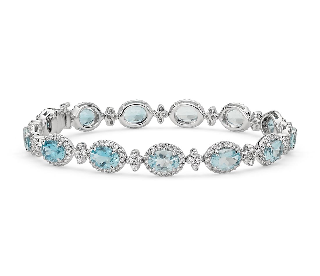 Oval Aquamarine And Pavé Diamond Halo Bracelet In 18k White Gold 7x5mm