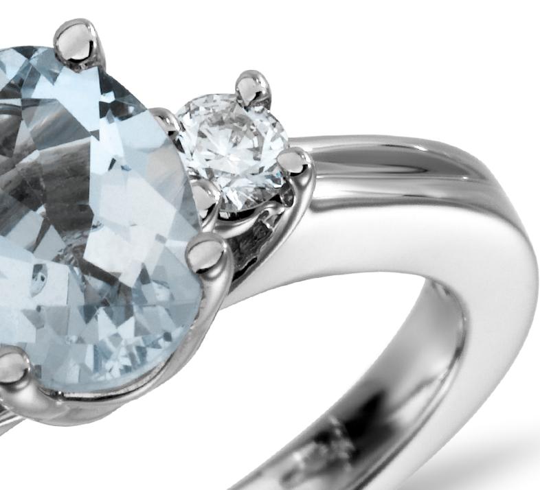 Bague diamant et aigue-marine en or blanc 18carats (8x6mm)