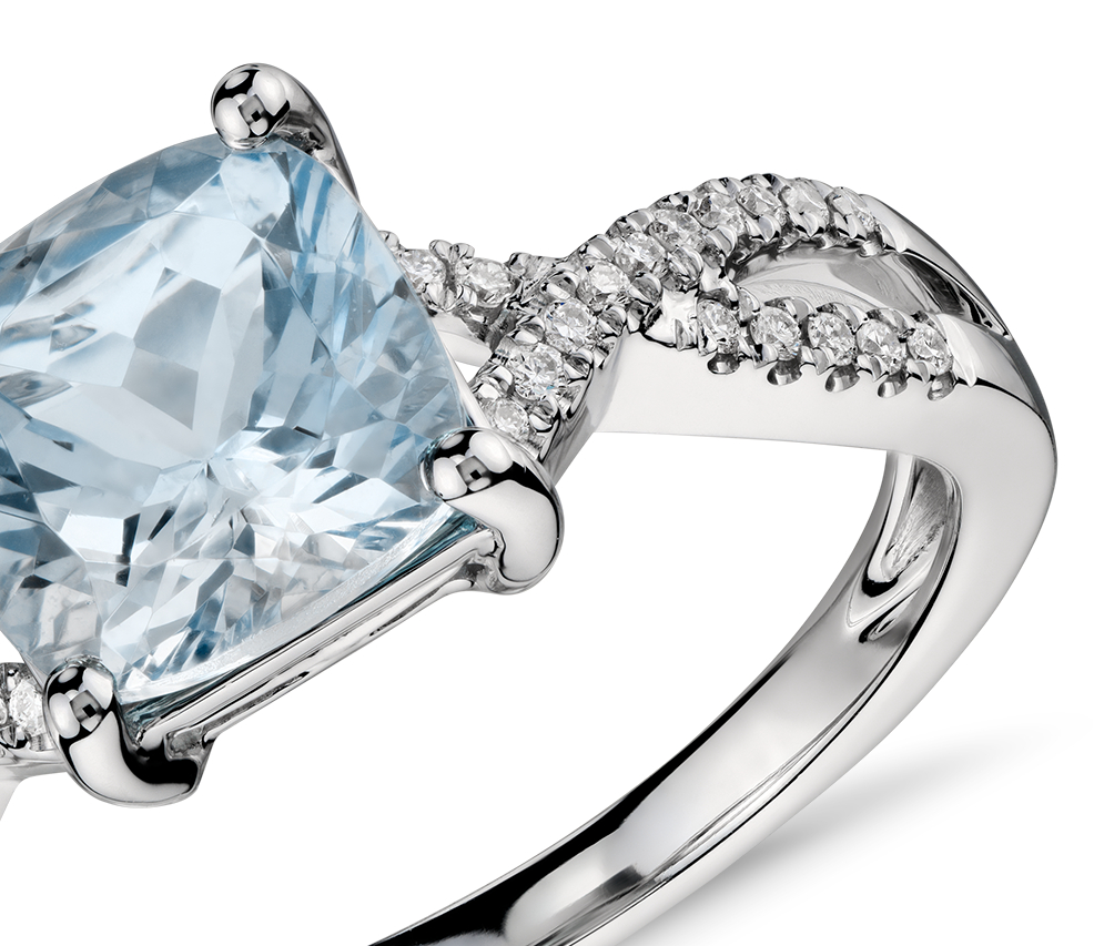 Anillo torcido infinito de diamantes y aguamarina en oro blanco de 14 k (7mm x7mm)