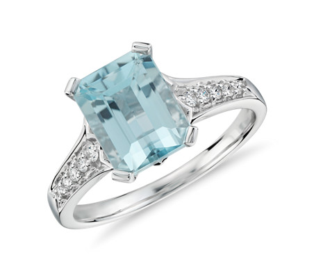 Aquamarine and Diamond Ring in 14k White Gold (9x7mm)