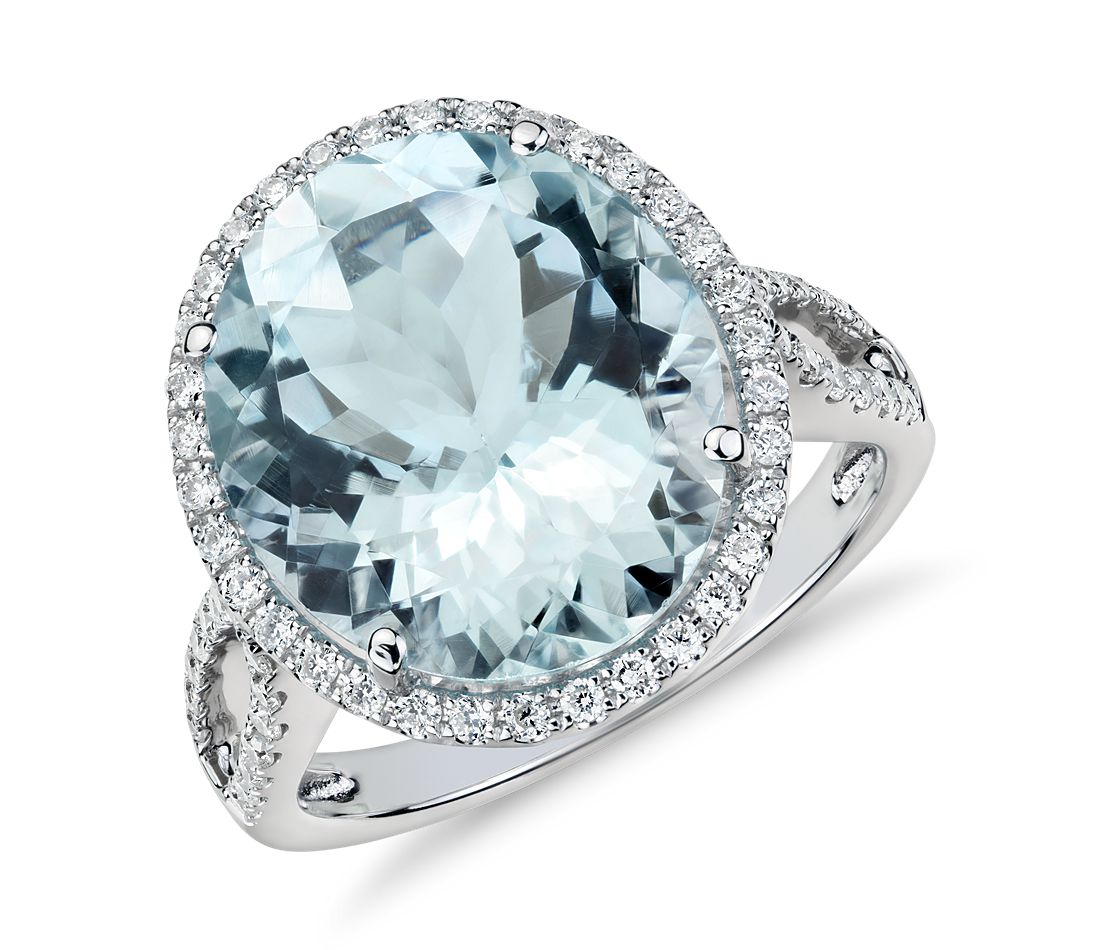 Aquamarine and Diamond Halo Ring in 18k White Gold (14x12mm)