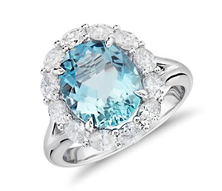 Aquamarine and Diamond Ring in 18k White Gold