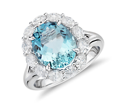 Aquamarine and Diamond Ring in 18k White Gold