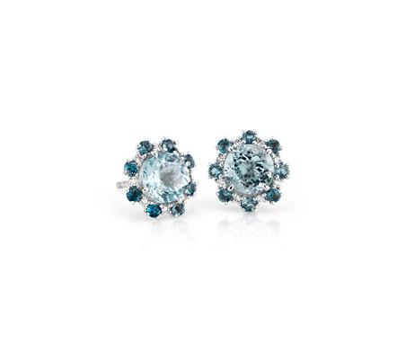 Puces d'oreilles aigue-marine et topaze bleu de Londres ornées d'un halo de diamants en or blanc 14 carats (6 mm)