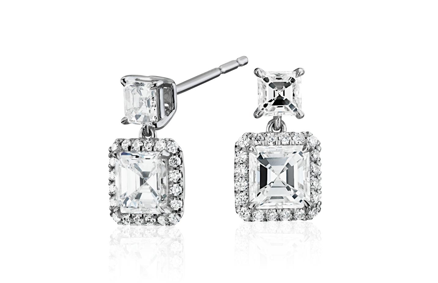 Aretes colgantes con diamantes de talla Asscher en oro blanco de 18 k (1,50 qt. total)