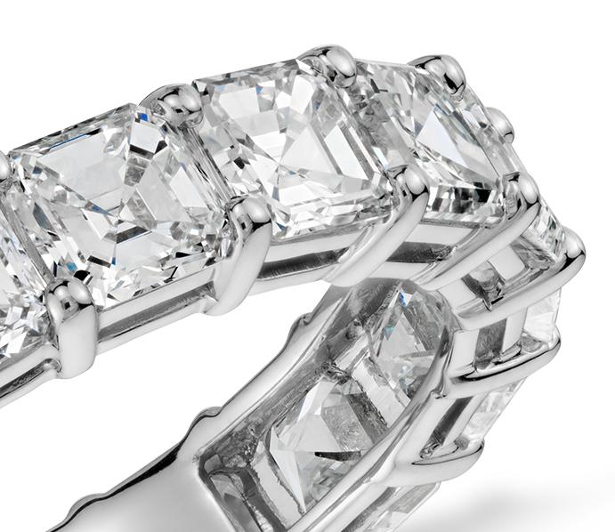 Bague d'éternité diamant taille Asscher en platine (5carats, poids total)