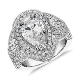 Bague de fiançailles diamants à trois pierres forme poire Azalea Bella Vaughan pour Blue Nile en platine (4,57carats, poids total)