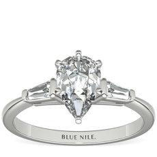 14k 白金尖顶长方形钻石订婚戒指