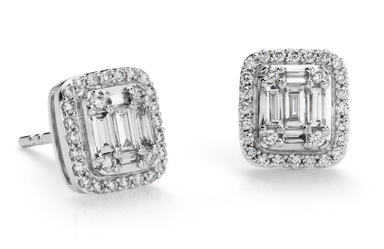 Boucles d'oreilles halo de diamants baguette en or blanc 18carats (1/2carat, poids total)