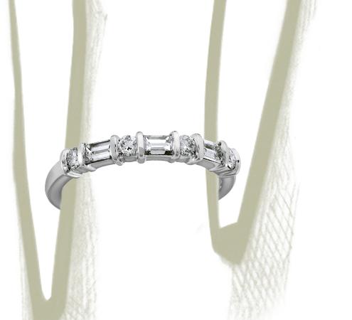 Bague diamant baguette et rond classique en platine (1/2carat, poids total)