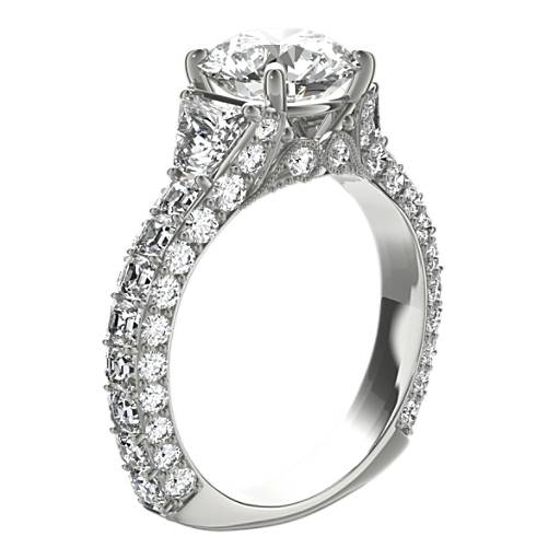 Anillo de compromiso de diamantes con forma trapezoidal Grandeur de Bella Vaughan para Blue Nile