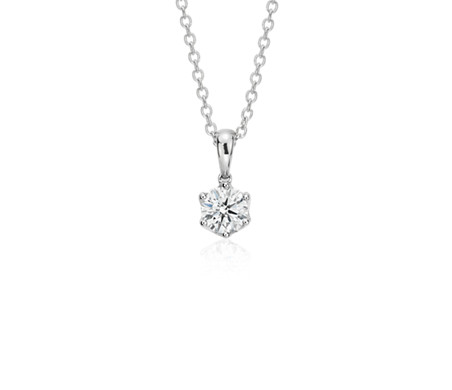 with heart gold of pendant view chain diamonds diamond front