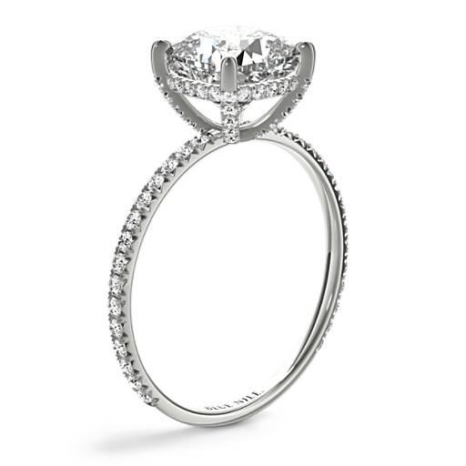 Blue Nile Studio 墊形切割小巧法式密釘皇冠鑽石訂婚戒指