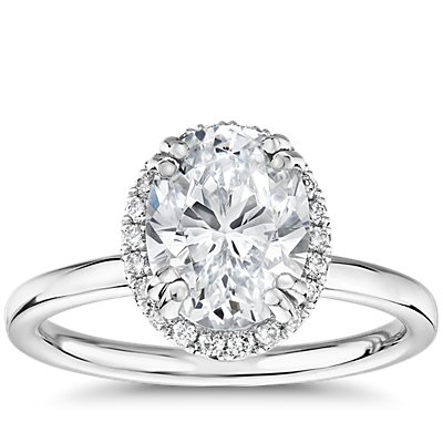 Blue Nile Studio Simple Oval-Cut Halo Diamond Engagement Ring in Platinum