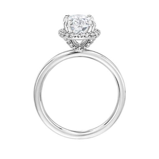 Blue Nile Studio Simple Oval-Cut Halo Diamond Engagement Ring