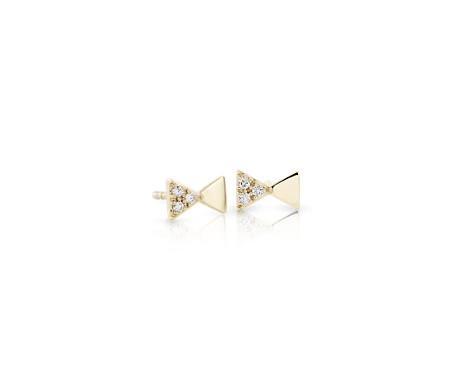 Aretes pequeños de diamantes en forma de moño en oro amarillo de 14k