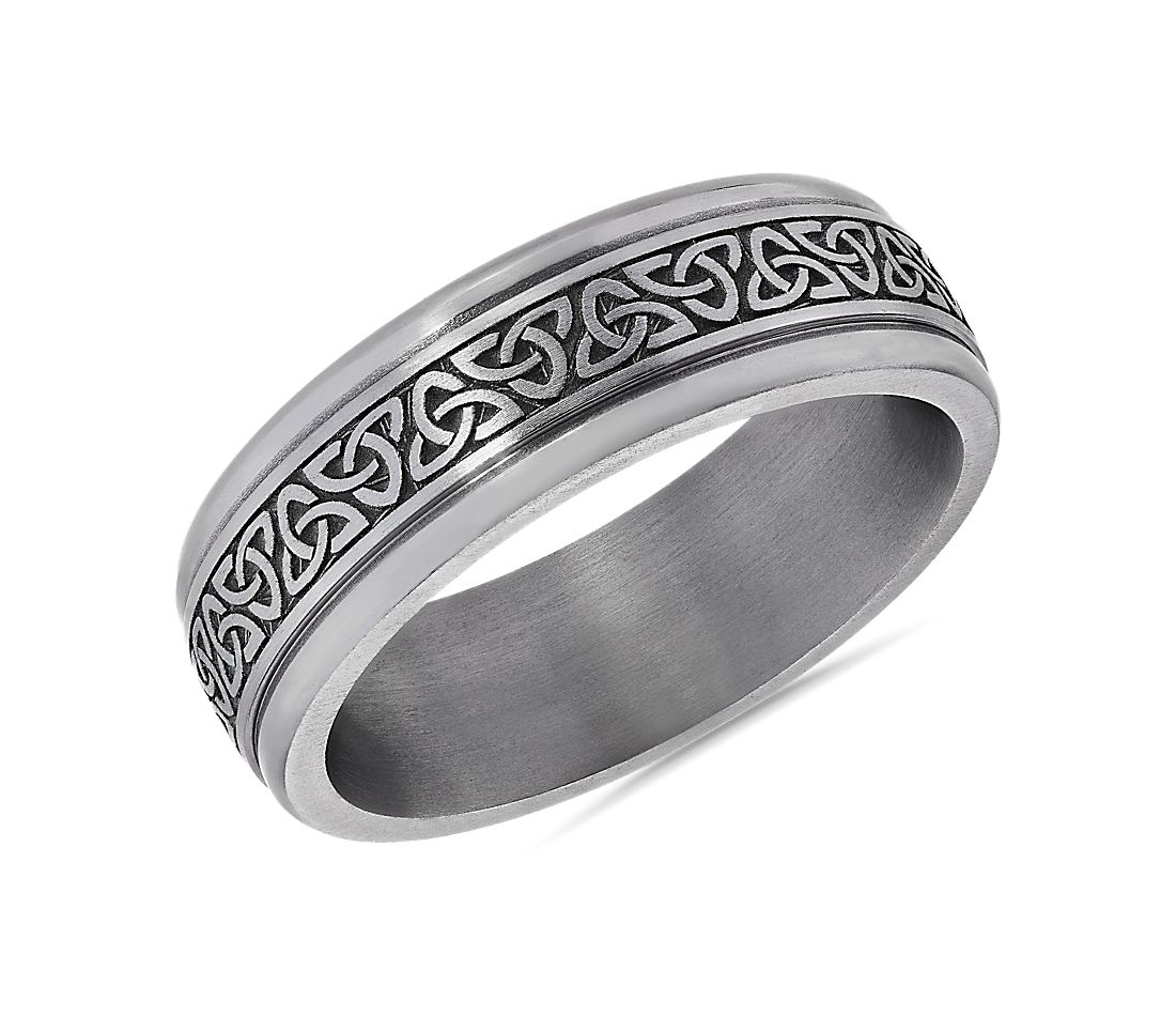 Celtic Triangle Knot Round Edge Band in Tantalum (7mm)