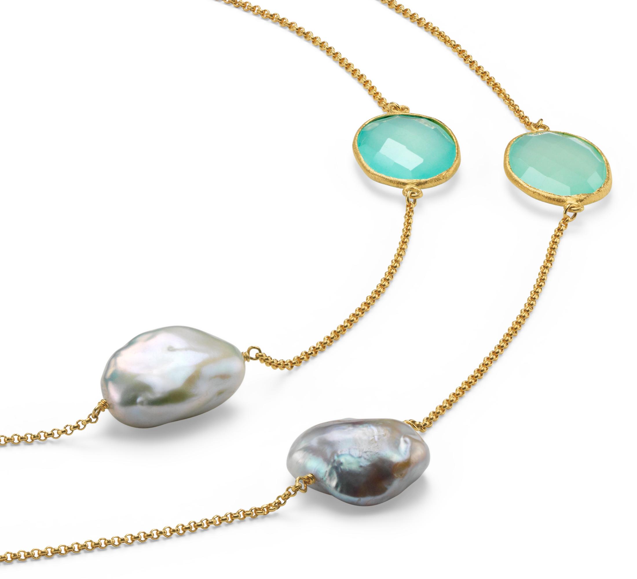 Collar de perlas cultivadas de agua dulce y calcedonia en plata bañada en oro