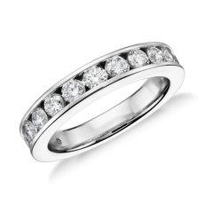 铂金槽镶钻石戒指(1 克拉总重量)