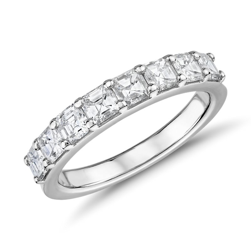 Classic Asscher Cut Eight Stone Diamond Ring in Platinum (1 1/5 c