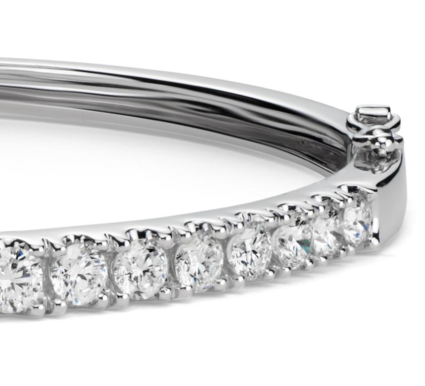 Esclava clásica de diamantes en oro blanco de 18 k (2,5 qt. total)