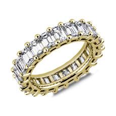 18k 金经典祖母绿切割钻石永恒戒指(5 1/2 克拉总重量)
