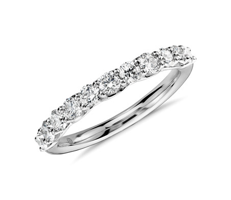 Classic Diamond Ring in Platinum