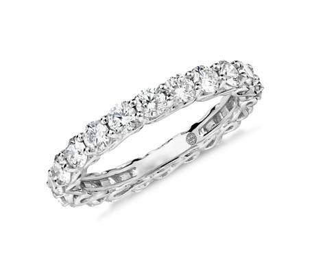 Anillo de eternidad de diamantes con diseño de infinito de Colin Cowie en platino (2 qt. total)